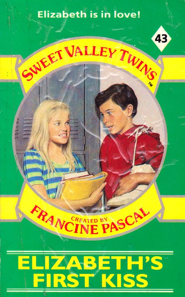Sweet Valley Twins 43: Elizabeth's First Kiss